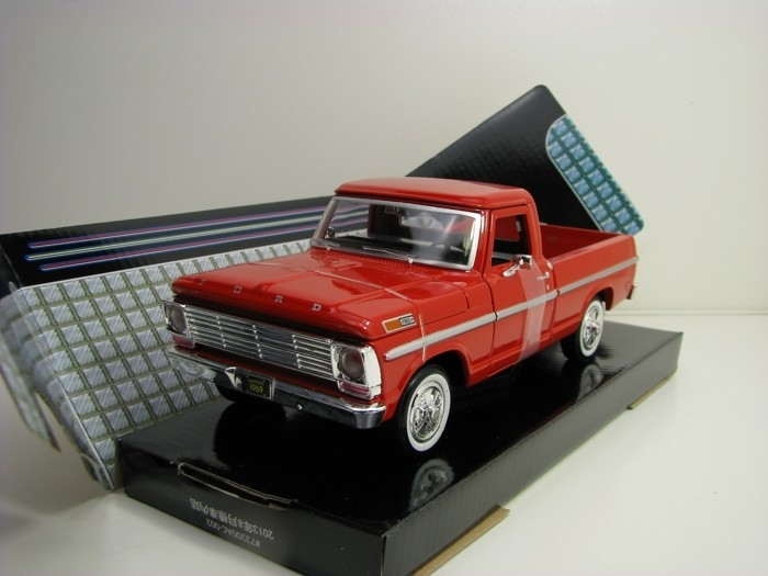 Ford F-100 Pick Up 1969 Red 1:24 Motor Max