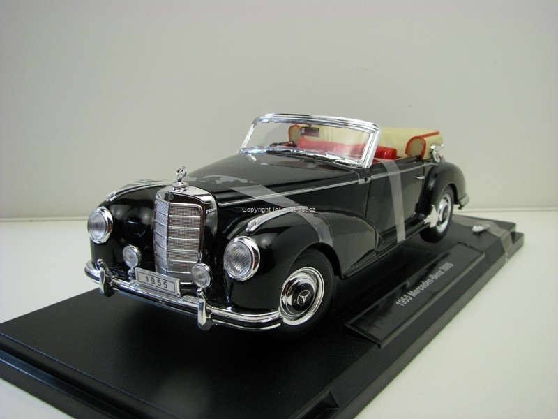 Mercedes-Benz 300S 1955 Black 1:18 Welly