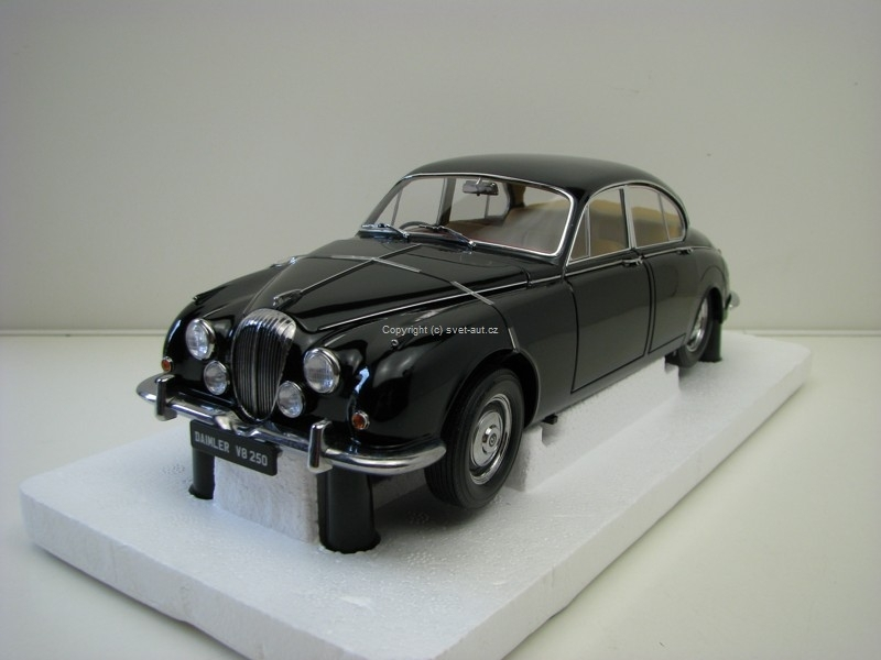 Daimler V8 - 250 Black 1:18 Paragon Models