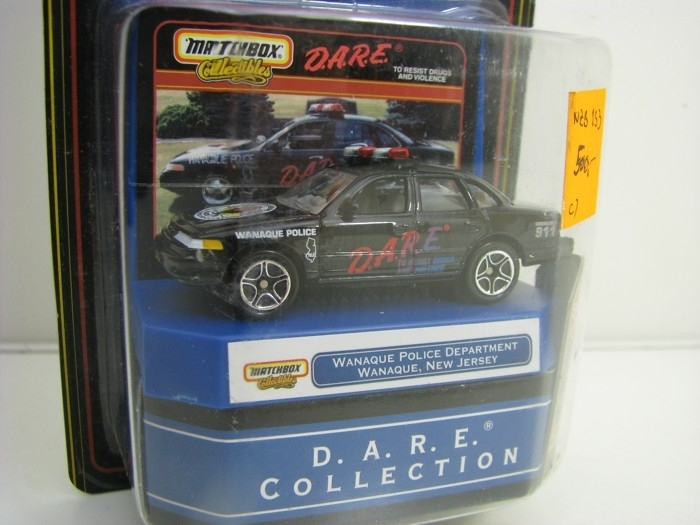 Ford Crown Victoria Vanaque Police D.A.R.E. Collection Matchbox Collectibles