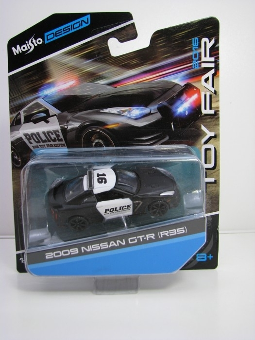 Nissan GT-R R35 2009 Police Toy Fair Edition 2016 1:64 Maisto