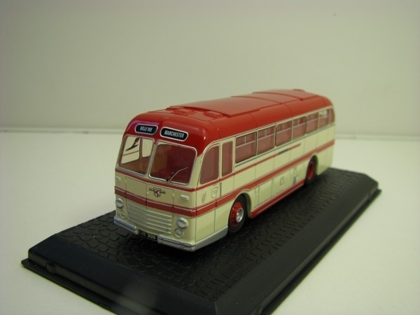 Double Roadmaster Belle Vue Coaches 1:76 Oxford