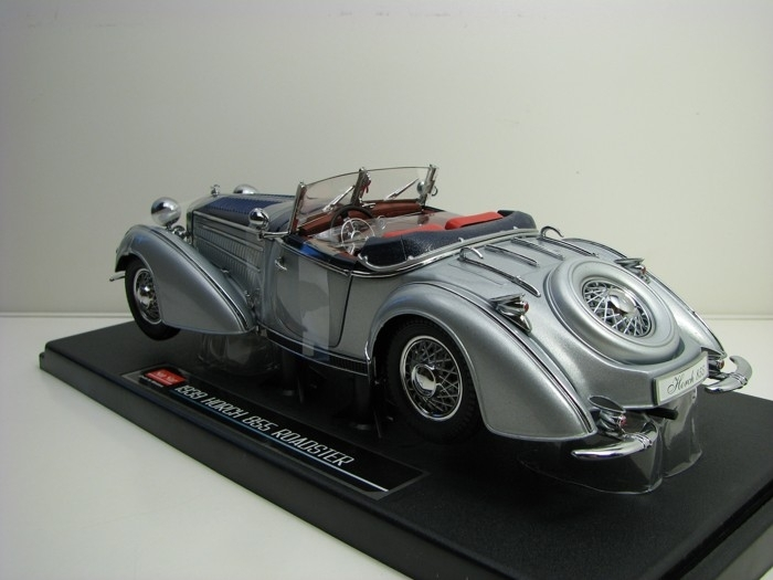 Horch 855 Roadster 1939 Silver Blue 1:18 Sunstar