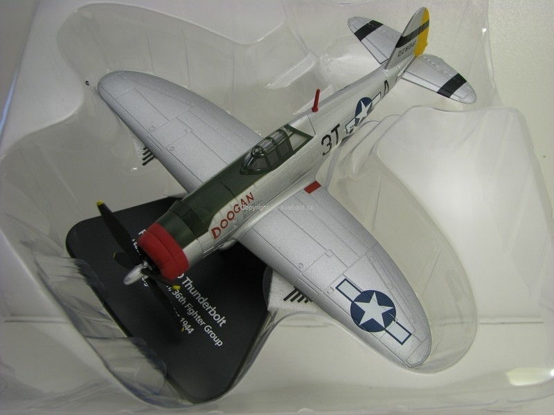 Letadlo Republic P47D Thunderbolt Winter 1944 1:76 Oxford