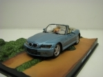 BMW Z3 Goldeneye James Bond 007 1:43 Universal Hobbies
