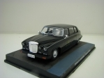 Daimler Limousine Casino Royale James Bond 007 1:43 Universal Hobbies