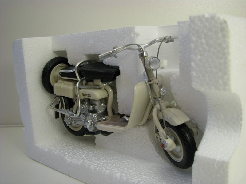 Lambretta 125D 1:12 New Ray