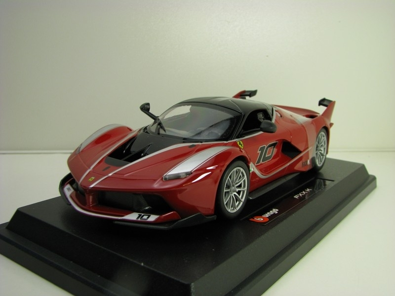 Ferrari FXX K No.10 Red 1:24 Bburago