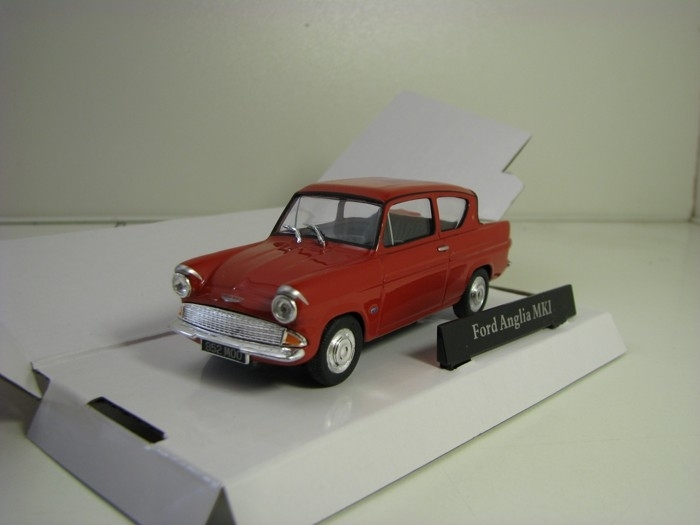 Ford Anglia MKI Red 1:43 Cararama