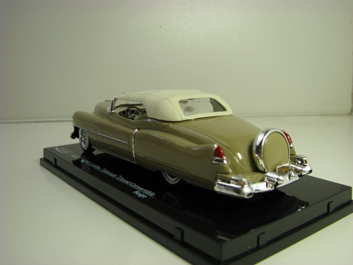 Cadillac Eldorado Closed Covertible Beige 1:43 Vitesse