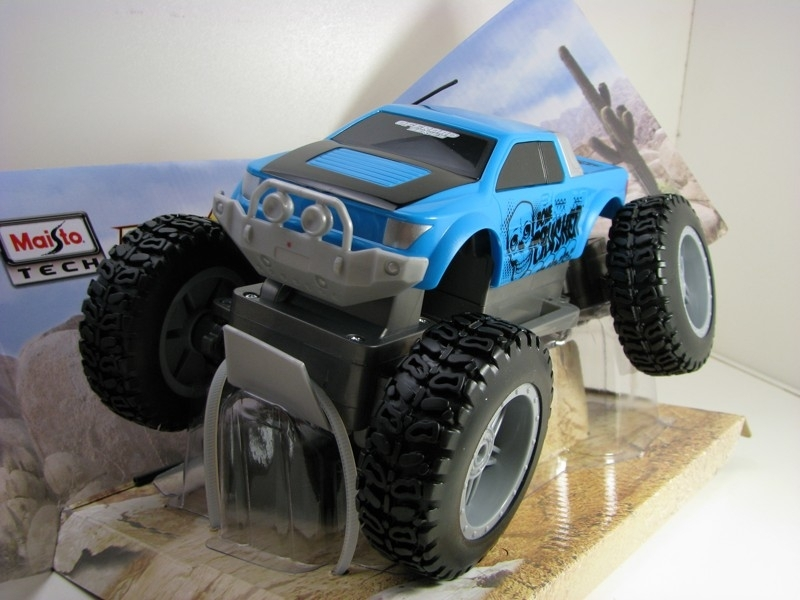 Rock JR Crawler 4x4 RC Model 27MHz Bone Crusher Maisto