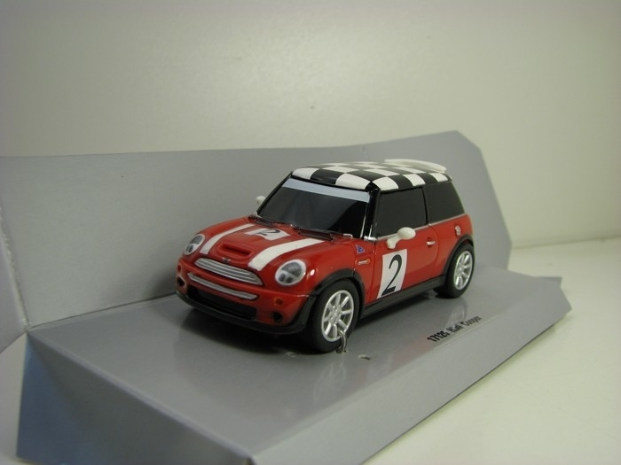 Mini Cooper Red No.2 Šachovnice Pull Back Action Carrera 17126