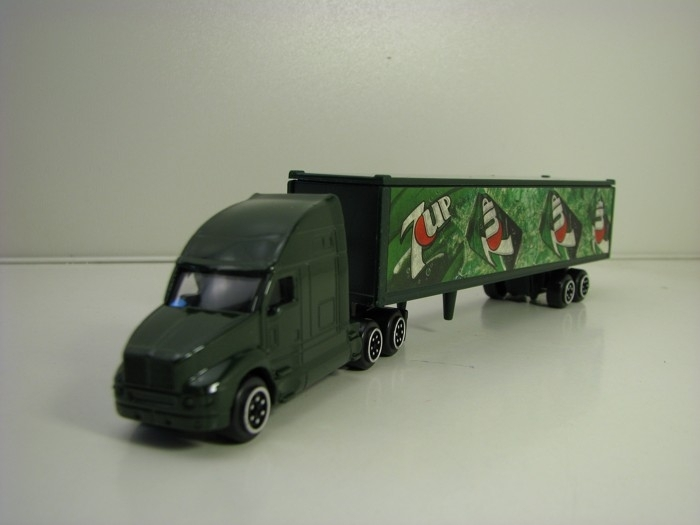 Kenworth Highway Truck 7Up 1:87 Mondo Motors