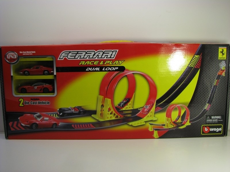 Ferrari Race a play Dual Loop 2 modely 1:43 Bburago