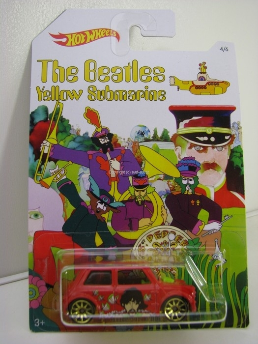 Hot Wheels The Beatles Yellow Submarine 4/6 Morris Mini Paul McCartney
