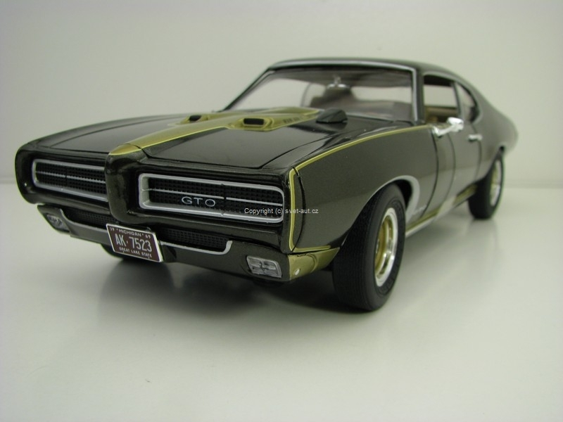 Pontiac GTO 1969 Royal Bobcat Edition 1:18 Ertl - Auto World AMM1042