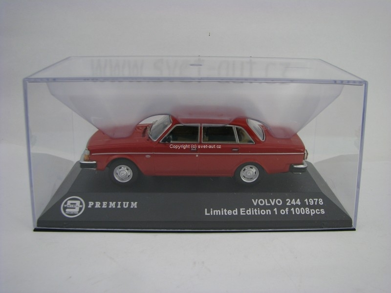 Volvo 244 1978 Red 1:43 Triple 9 Collection