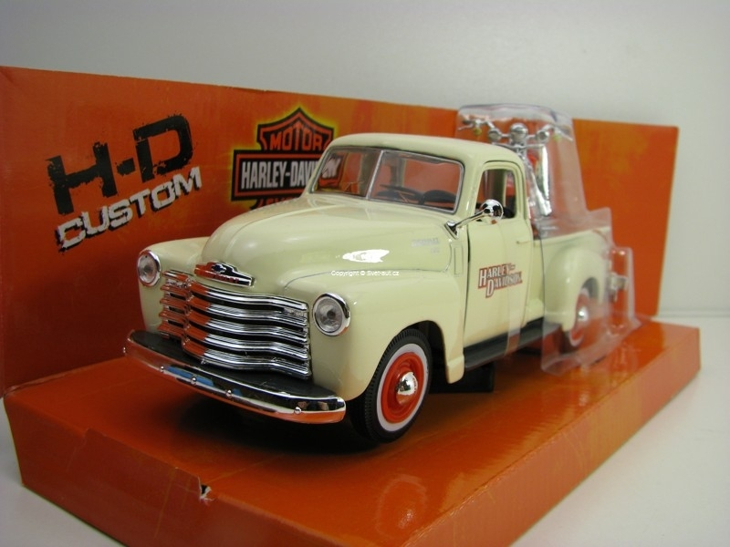 Chevrolet 3100 Pick Up 1950 1:25 a Harley FLSTS Heritage Springer 1:24 Maisto