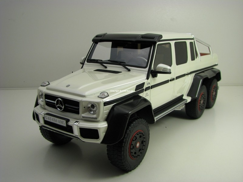 Mercedes-Benz G63 AMG 6x6 White 1:18 GT Spirit