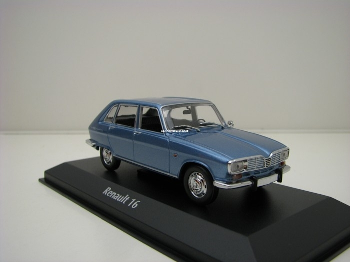 Renault 16 1965 Light Blue Metallic 1:43 Maxichamps