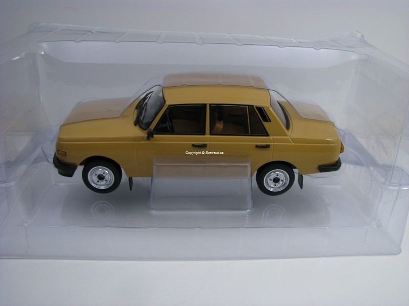 Wartburg 353 limousine light Brown 1:18 Modelcar Group