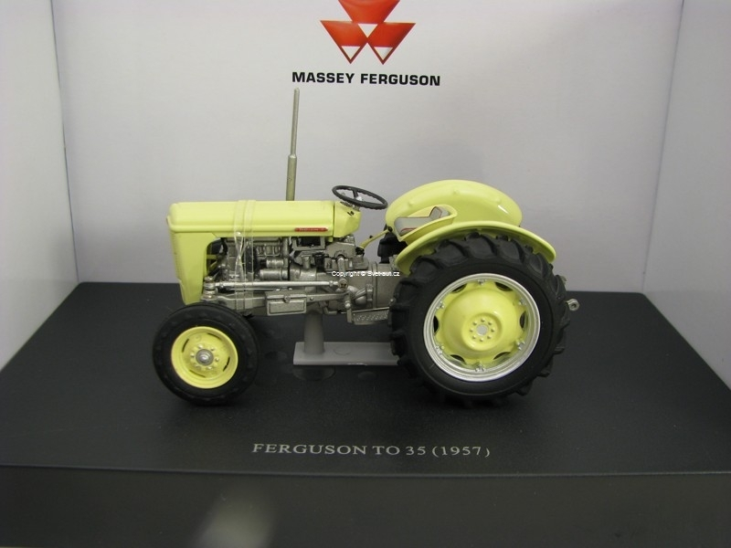 Traktor Ferguson TO 35 1957 1:32 Universal Hobbies