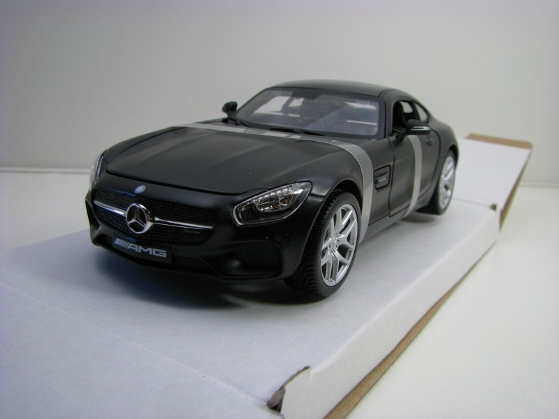 Mercedes-Benz AMG GT Matto Black 1:24 Maisto