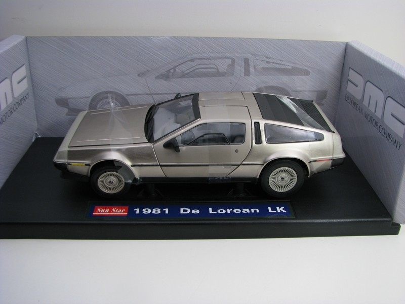 DeLorean LK 1981 1:18 Sunstar
