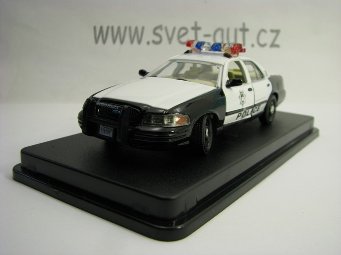 Ford Crown Victoria 2000 Police Interceptor The Hanover 1:43 Greenlight