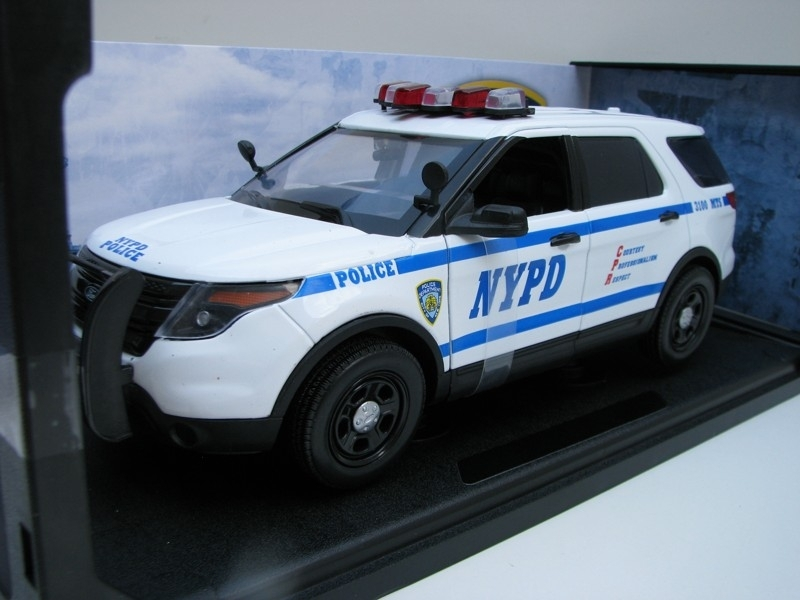 Ford Police Interceptor 2015 NYPD 1:18 Greenlight