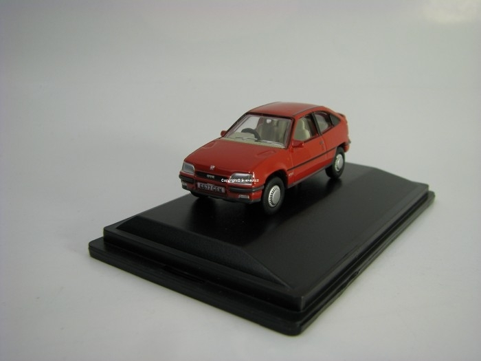 Vauxhall Astra MkII Red 1:76 Oxford