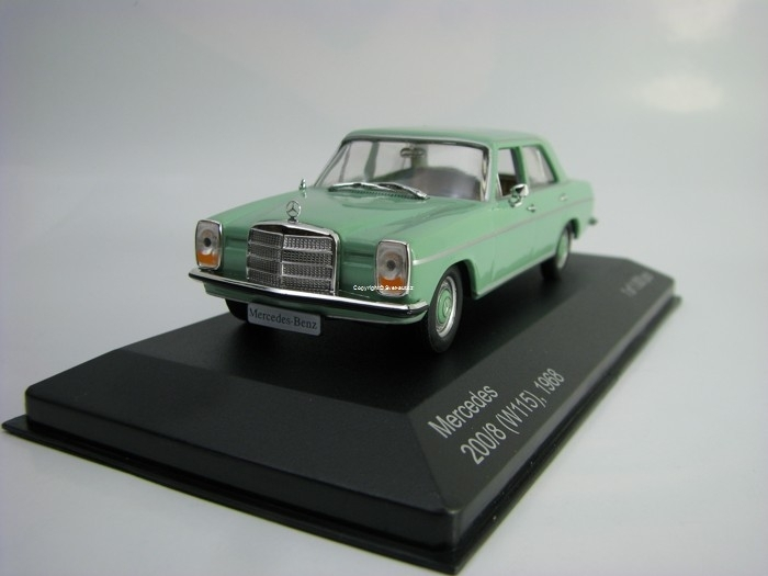 Mercedes 200/8 W115 1968 Green 1:43 White Box