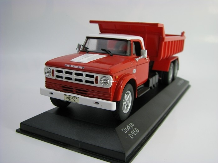 Dodge D 950 Dumper 1974 Red/White 1:43 White Box