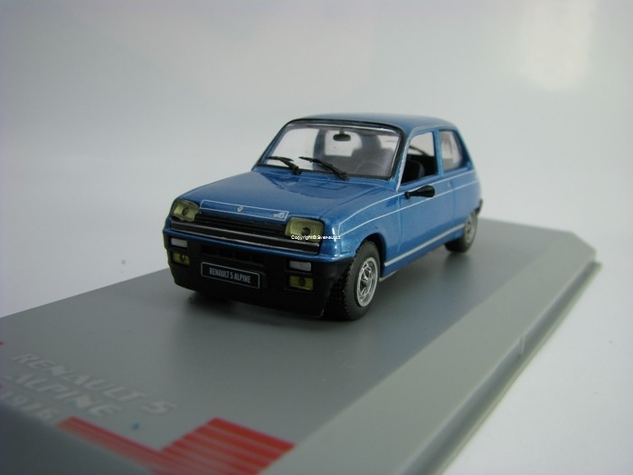 Renault 5 Alpine 1976 Metallic Blue 1:43 White Box 240