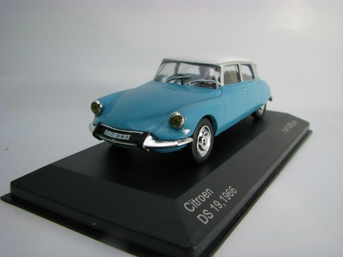 Citroen DS 19 1966 Blue/White 1:43 White Box 229