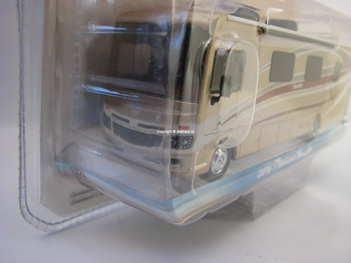 Fleetwood Bounder 2016 autokaravan Autumn Breeze 1:64 Greenlight