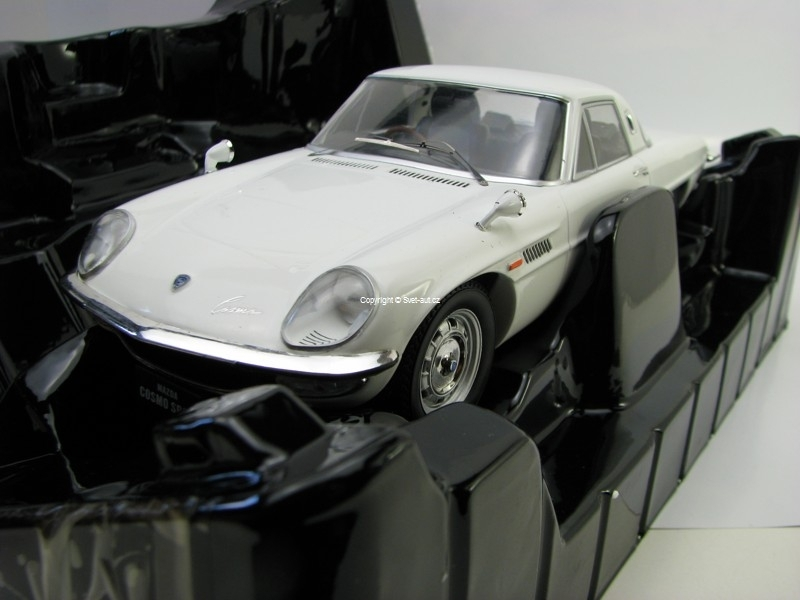 Mazda Cosmo Sport White 1:18 Triple 9 Collection