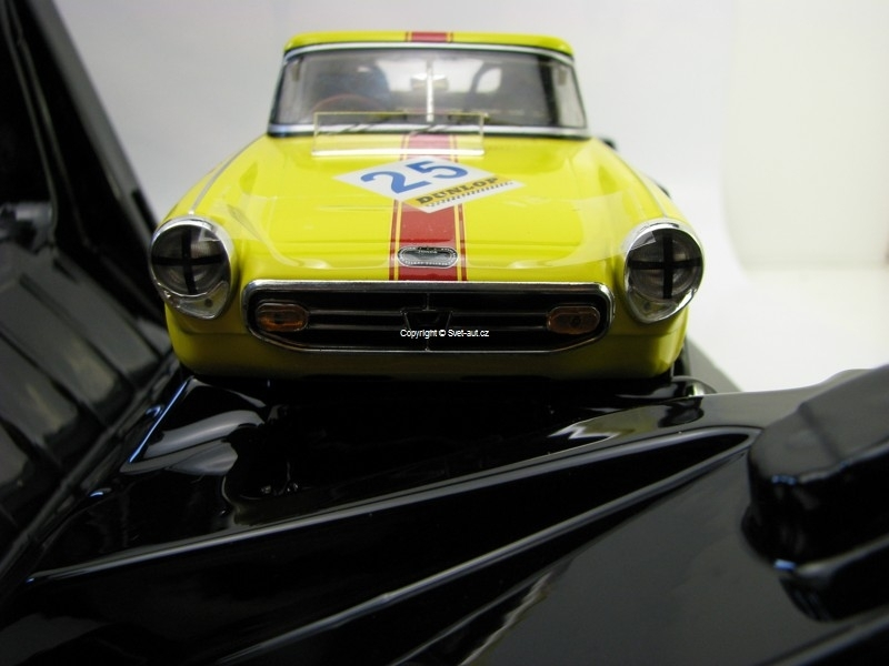 Honda S800 Racing 1966 No.25 Yellow 1:18 Triple 9 Collection