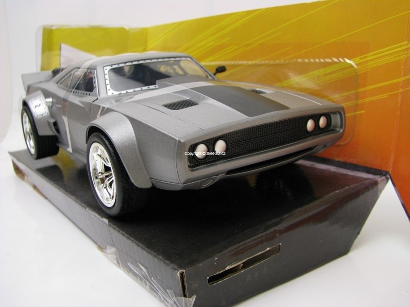 Dom's Ice Dodge Charger R/T Fast and Furious 8 1:24 Jada Toys