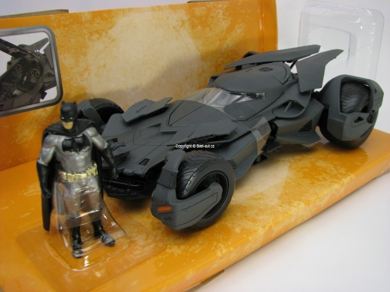 Batmobile s Figurkou Batman Superman 1:24 Jada Toys