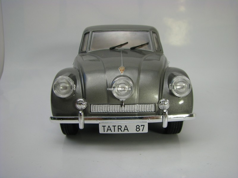 Tatra 87 1937 Grey metallic 1:18 MCG Modelcar Group