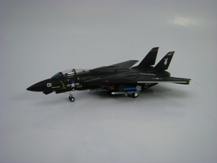 US Navy Grumman F-14A VX-4 Evaluators Black Bunny 1:200 Herpa