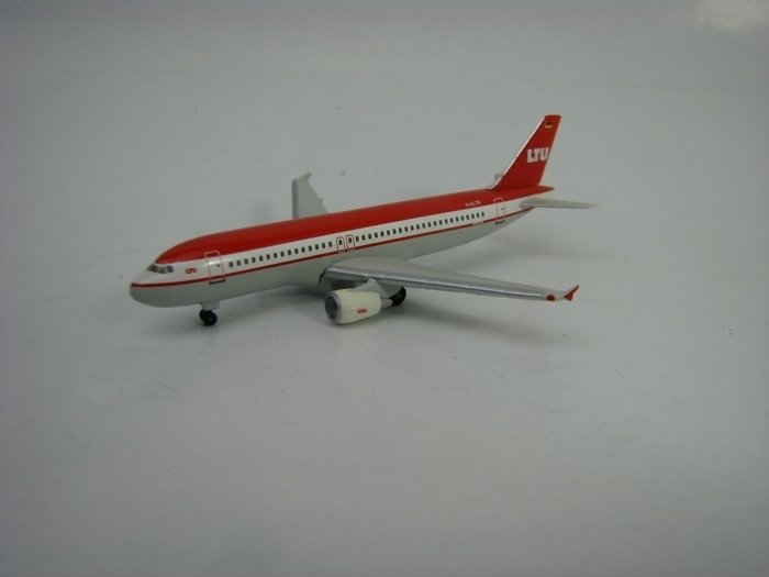 Airbus A320 LTU International Airways 1:500 Herpa