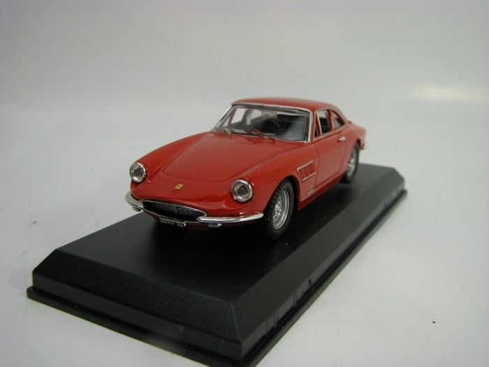 Ferrari 330 GTC 1966 red 1:43 Best