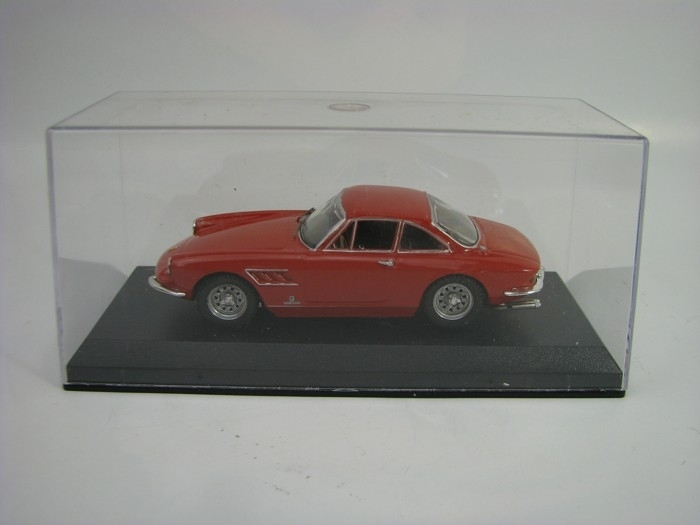 Ferrari 330 GTC 1966 red 1:43 Best-M4