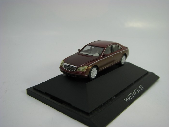 Maybach 57 Purple 1:87 Herpa
