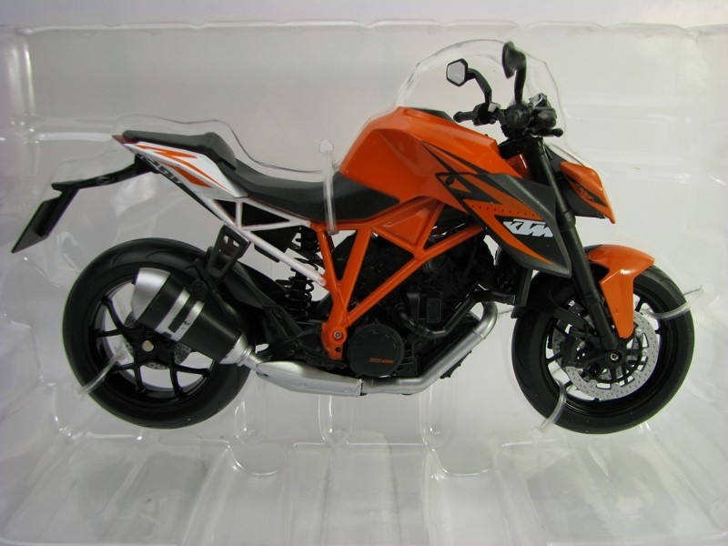 KTM 1290 Super Duke R 1:10 Welly
