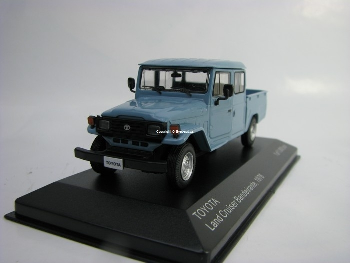 Toyota Land Cruiser Bandeirante 1976 Blue 1:43 White Box