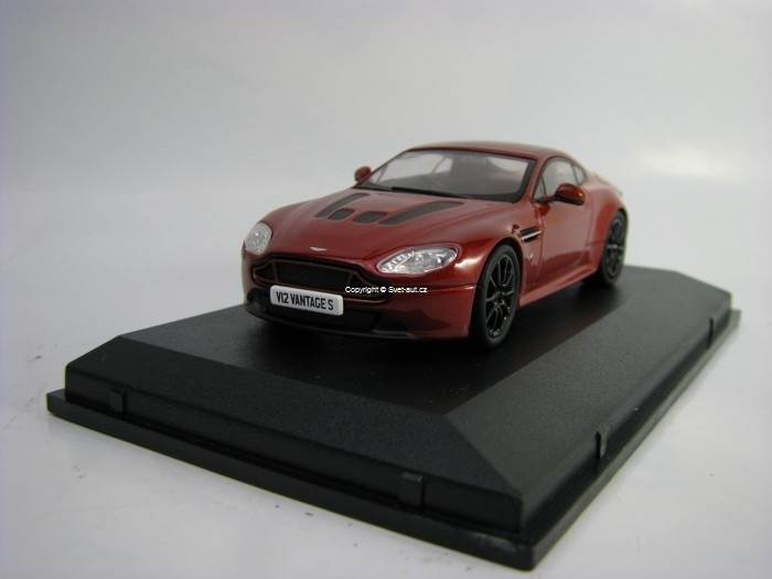 Aston Martin V12 Vantage S Volcano Red 1:43 Oxford