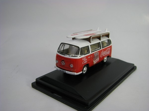 Volkswagen T1 BAY Window Bus + Surf Coca-Cola 1:76 Oxford